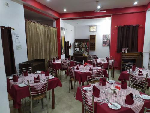 The Restaurant layout